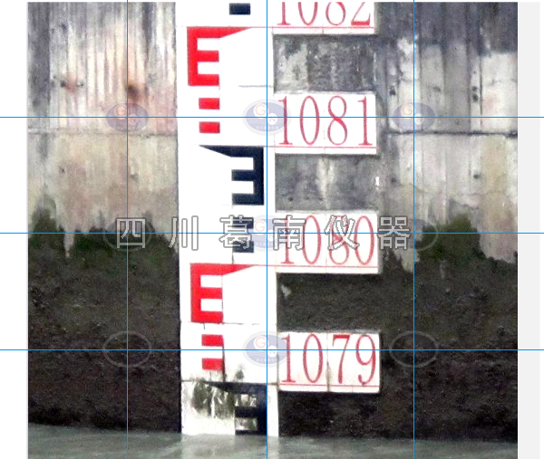 汶川太平译电站安装瓷砖水位标尺