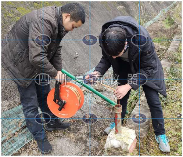 平尺水位计与测压管渗流观测方法