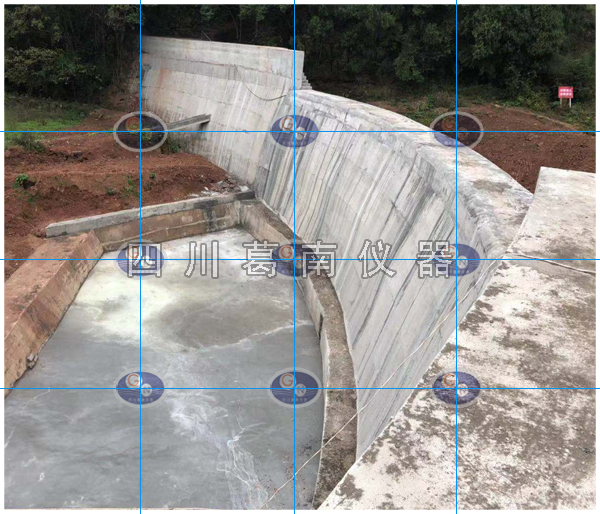 混凝土拱石坝安全监测仪器埋设及安装