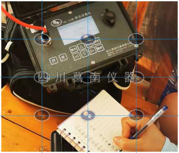 2006年重庆门坎滩电站安全监测仪器埋设安装后至今仅1支仪器观测线后期钻孔切断,其余86支仪器完好率达100%