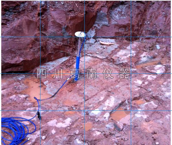 郫县景观水闸安全监测仪器埋设及安装现场