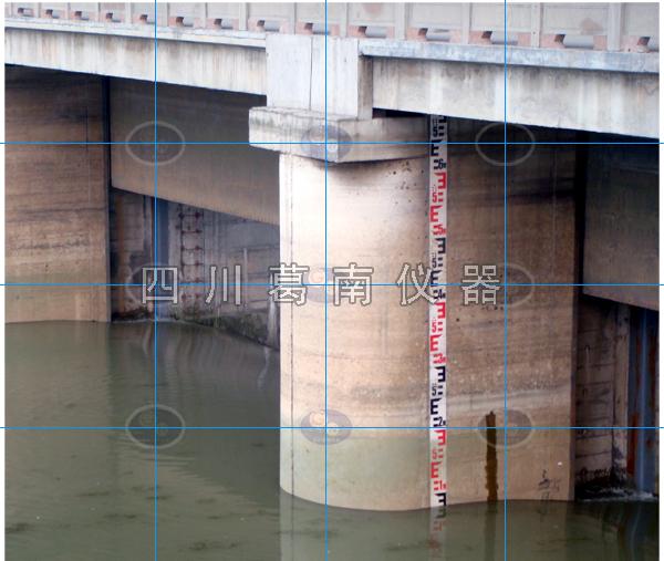 宝珠寺水电站水位标尺安装