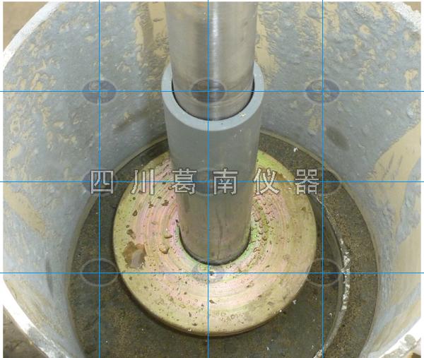 基岩变位计安装在现场监理全过程监督下施工